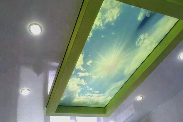 натяжные потолки фото матовые тканевые двухуровневые установка монтаж