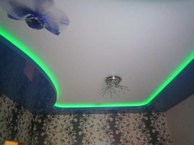 натяжные потолки фото глянцевые двухуровневые в нижнем новгороде
