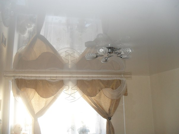 натяжные потолки фото глянцевые  цена двухуровневые тканевые в новгороде
