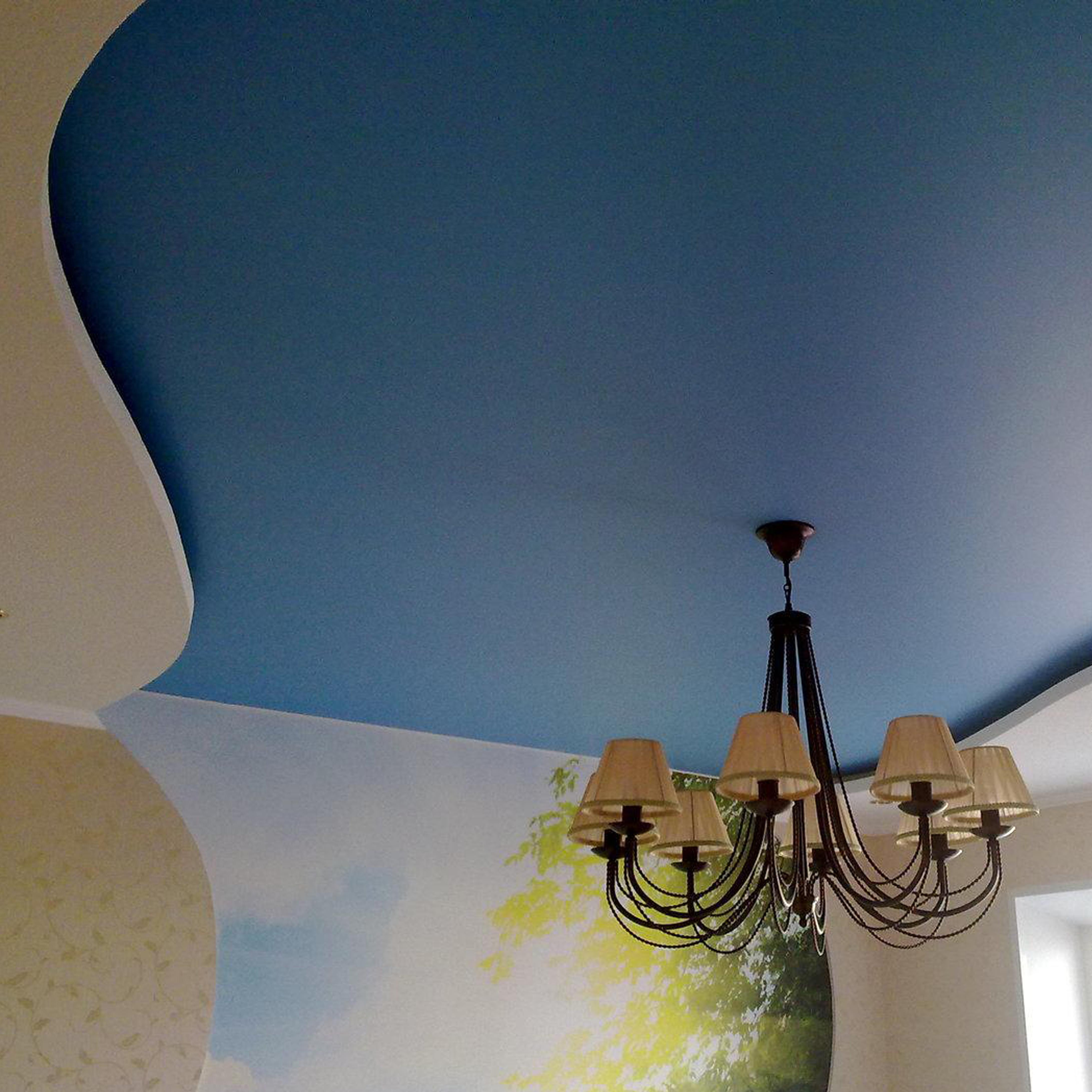 натяжные потолки фото матовые тканевые двухуровневые цена