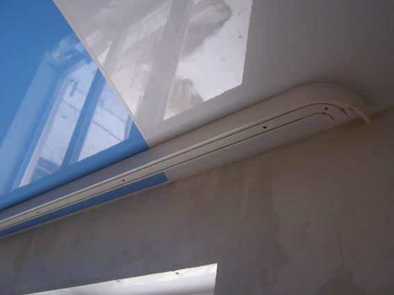 натяжные потолки фото глянцевые двухуровневые  монтаж
