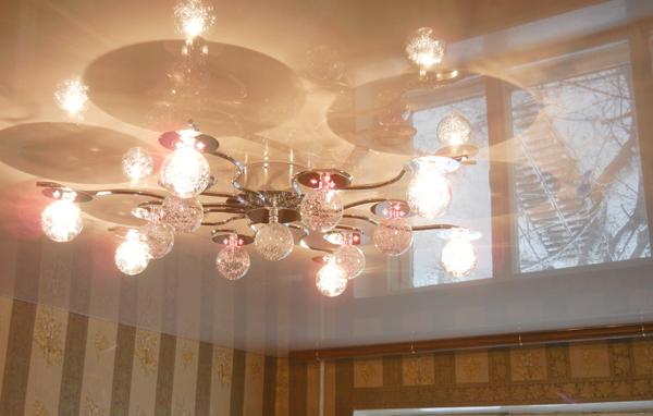 натяжные потолки фото цены установка тканевые матовые глянцевые в Саратове