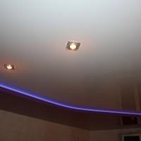Натяжные потолки Ремонтика с подсветкой