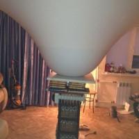Какую нагрузку может вынести натяжной потолок?